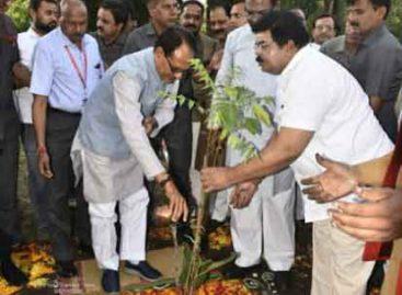 मुख्यमंत्री ने दी मण्डला को विकास कार्यों की सौगात